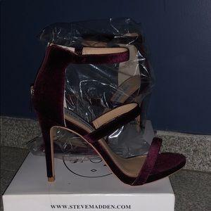 Feelya burgundy velvet strap heels